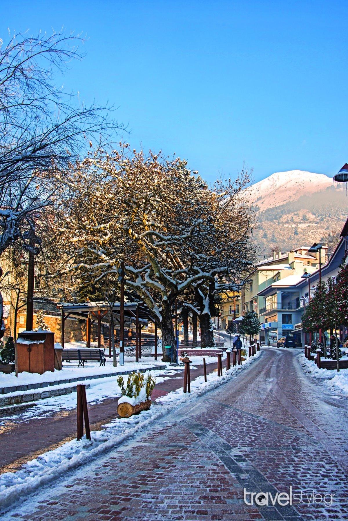 Καρπενήσι χειμερινός προορισμός με χιόνια