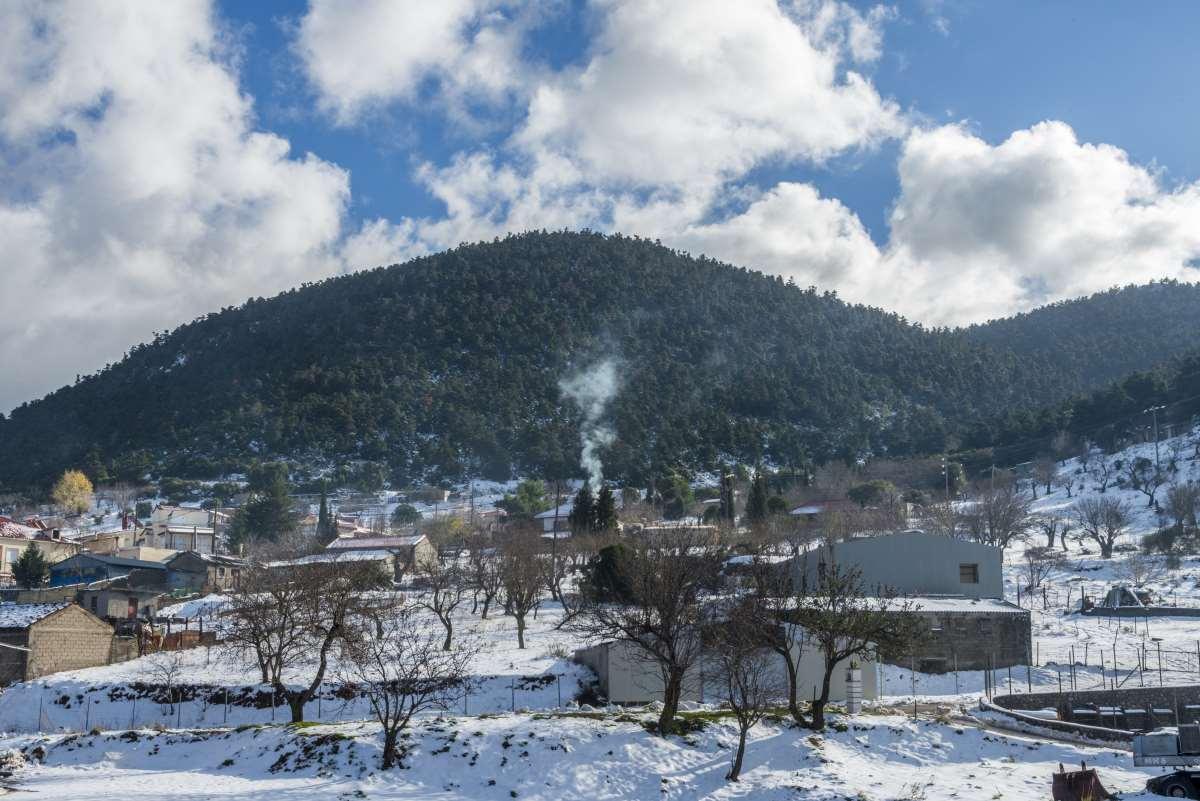 Το κέντρο του χωριού γεμάτο χιόνια, Κυριάκι Βοιωτίας