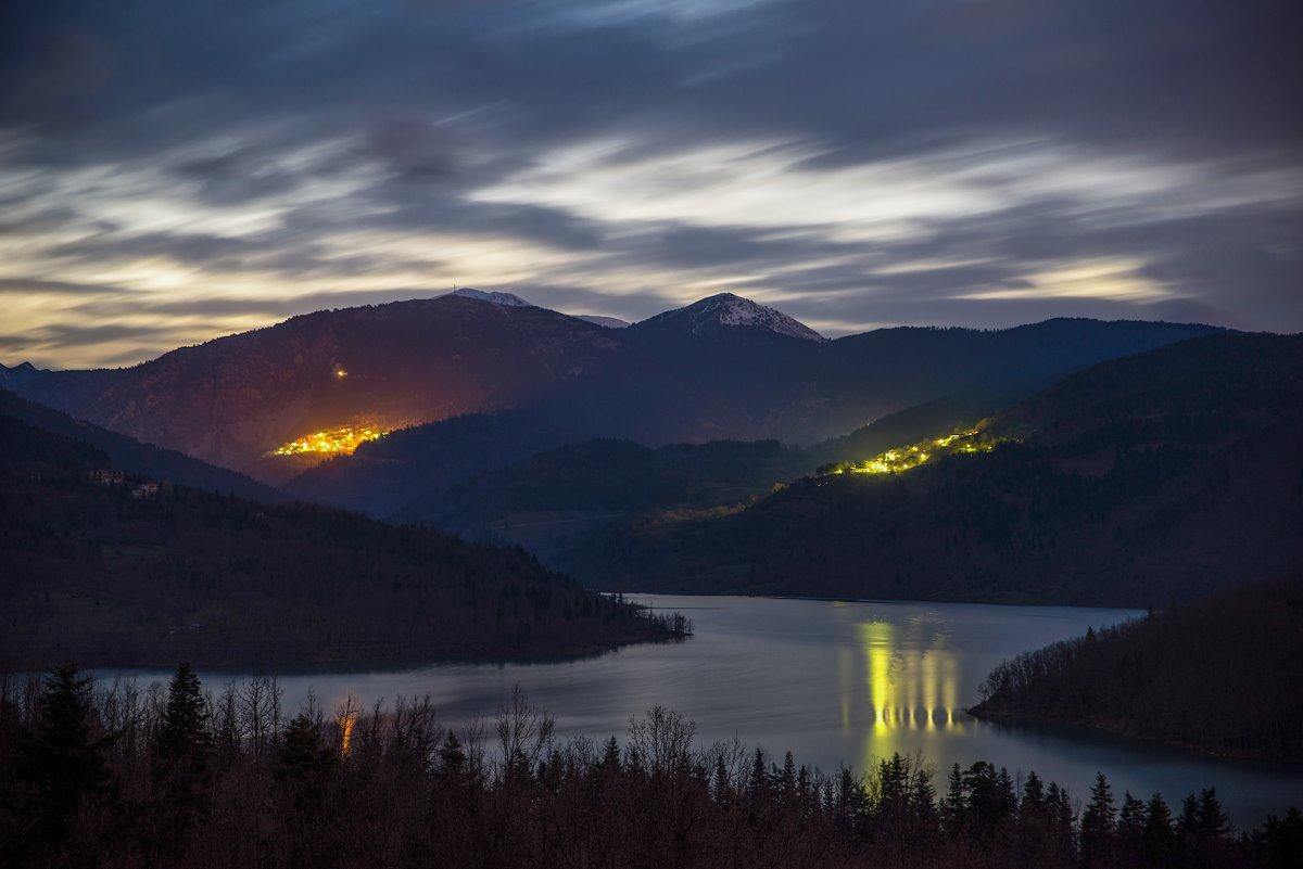Λίμνη Πλαστήρα, βράδυ