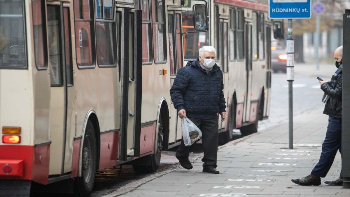 Κλείνει η Λιθουανία για 3 εβδομάδες ελάχιστοι άνθρωποι στον δρόμο