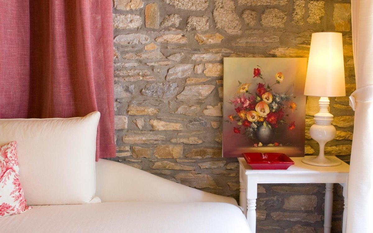 Minelska Resort Πήλιο με πολυτελείς σουίτες με λεπτομέρειες διακοσμητικές