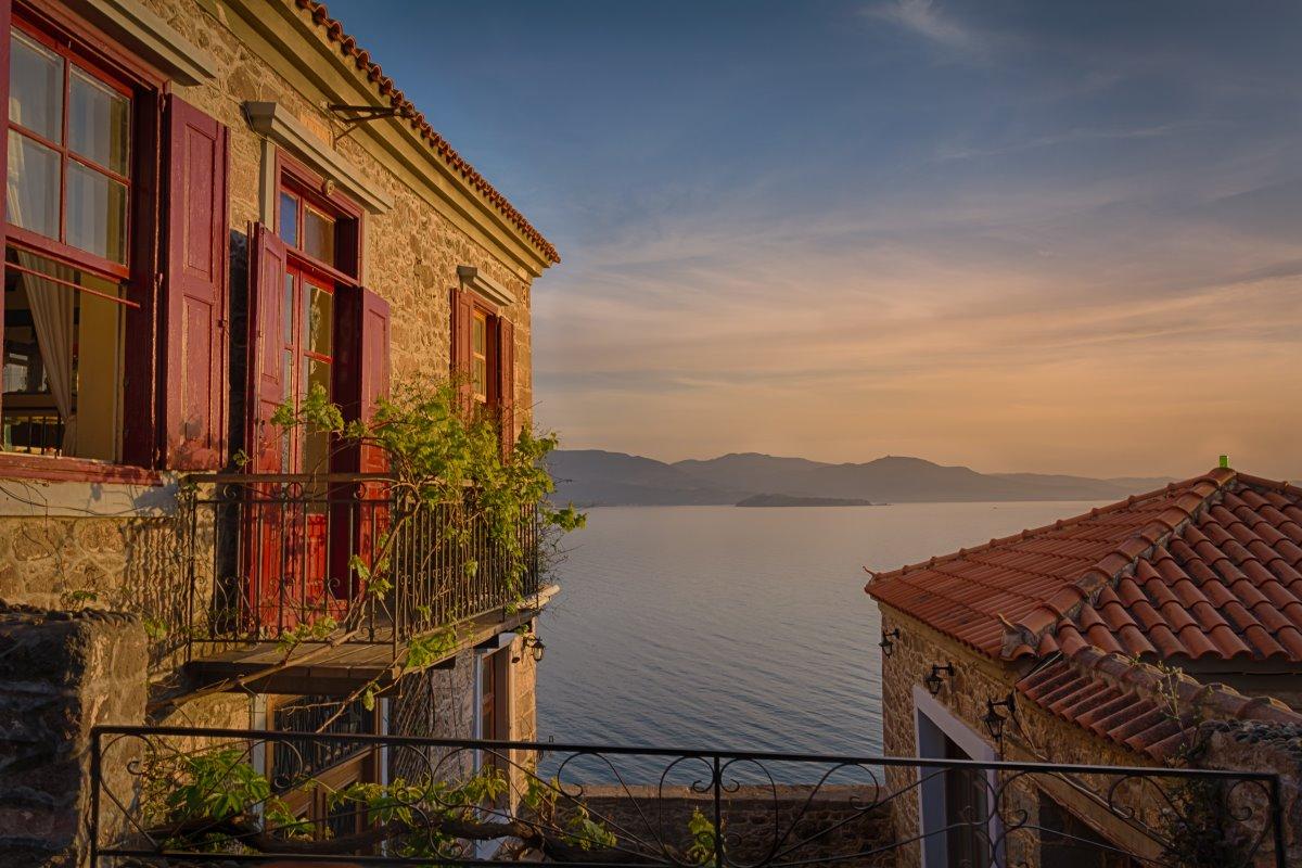 Υπέροχη θέα στη θάλασσα από τον Μόλυβο, Λέσβος