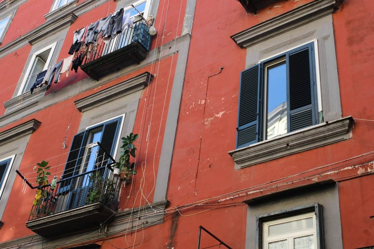 Κτήριο, Νάπολη