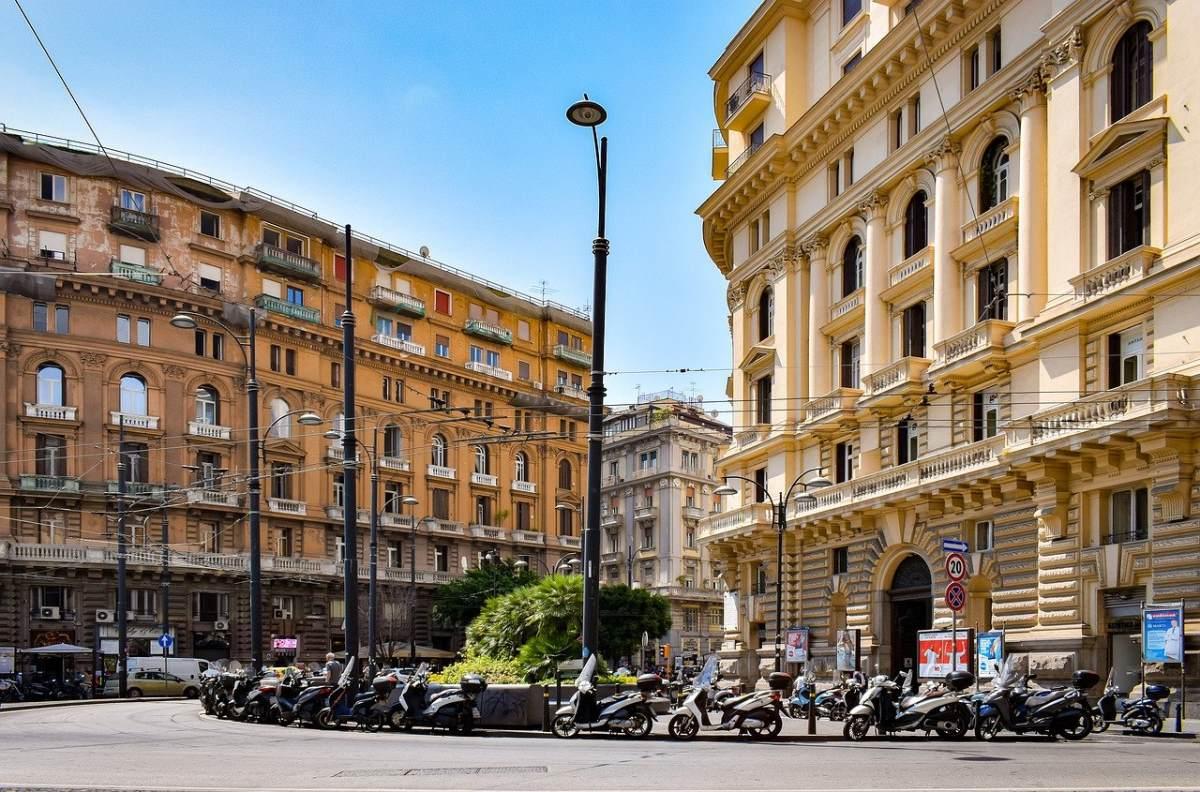 Νάπολη, πλατεία