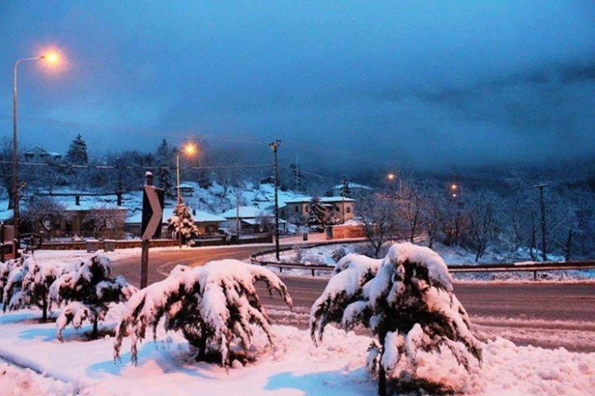 Νευροκόπι Σιβηρία χιόνια μέσα στην πόλη και χαμηλές θερμοκρασίες