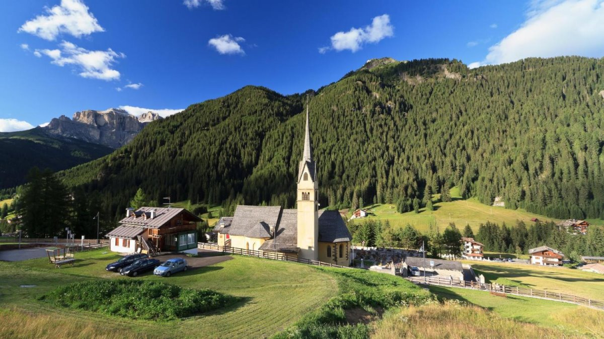 Όμορφα χωριά Ευρώπη Canazei Ιταλία