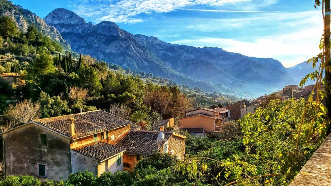Παράξενα ελληνικά χωριά