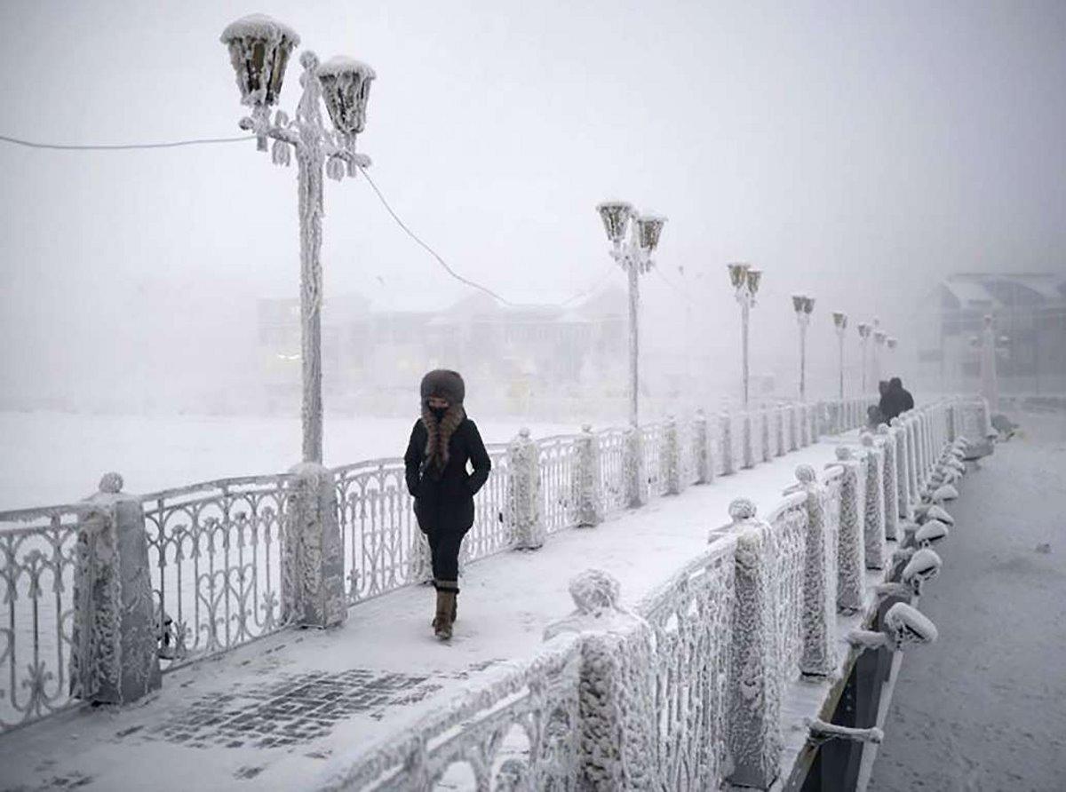Oymyakon η πιο κρύα πόλη στον κόσμο χιόνι παντού