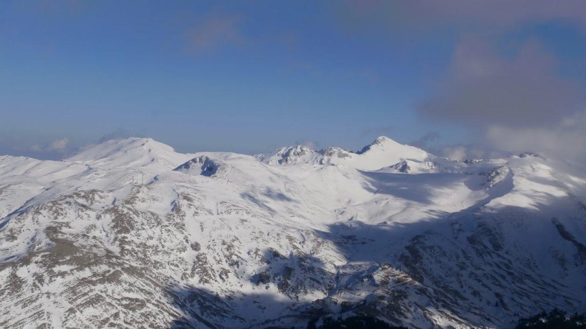 Χιονοδρομικό Κέντρο Παρνασσός χιονισμένα βουνά