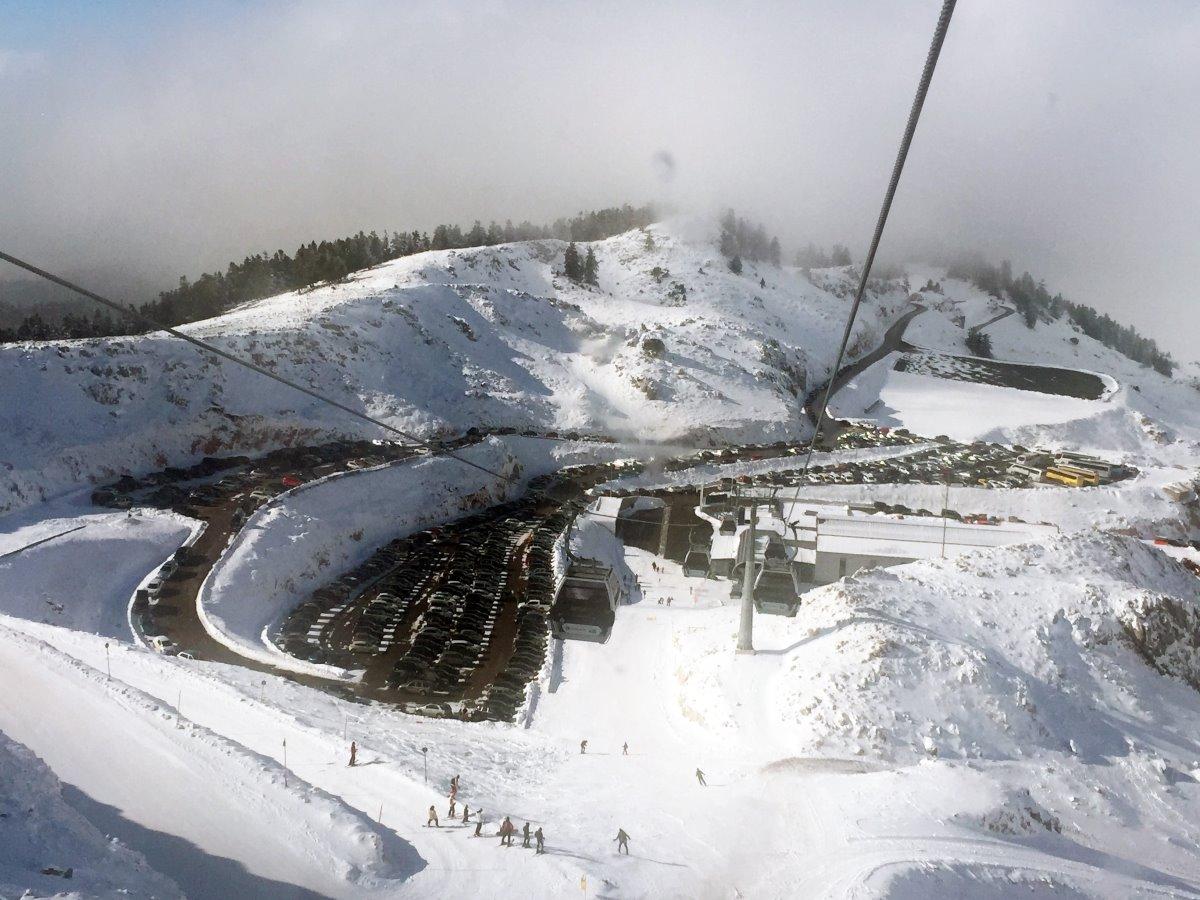 Χιονοδρομικό Κέντρο Παρνασσός με αυτοκίνητα