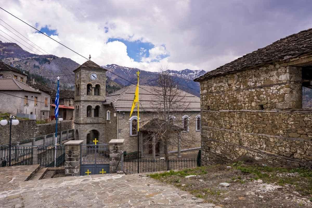 Πληκάτι Ιωαννίνων εκκλησία χωριού