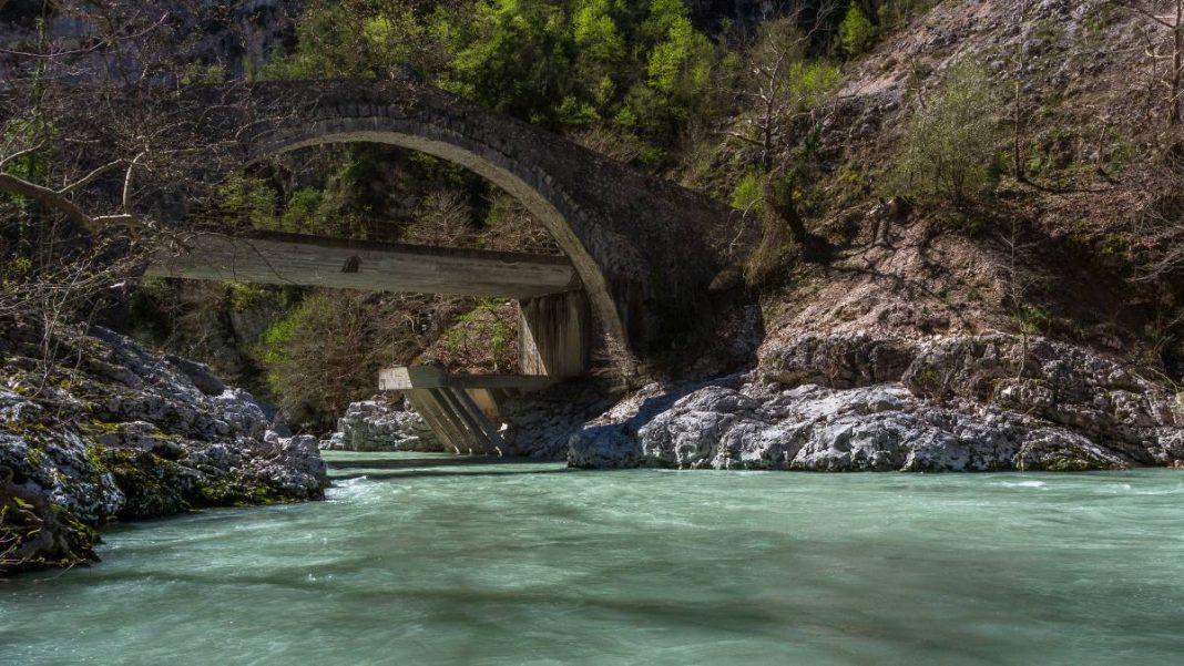 Ποτάμι στα Τζουμέρκα