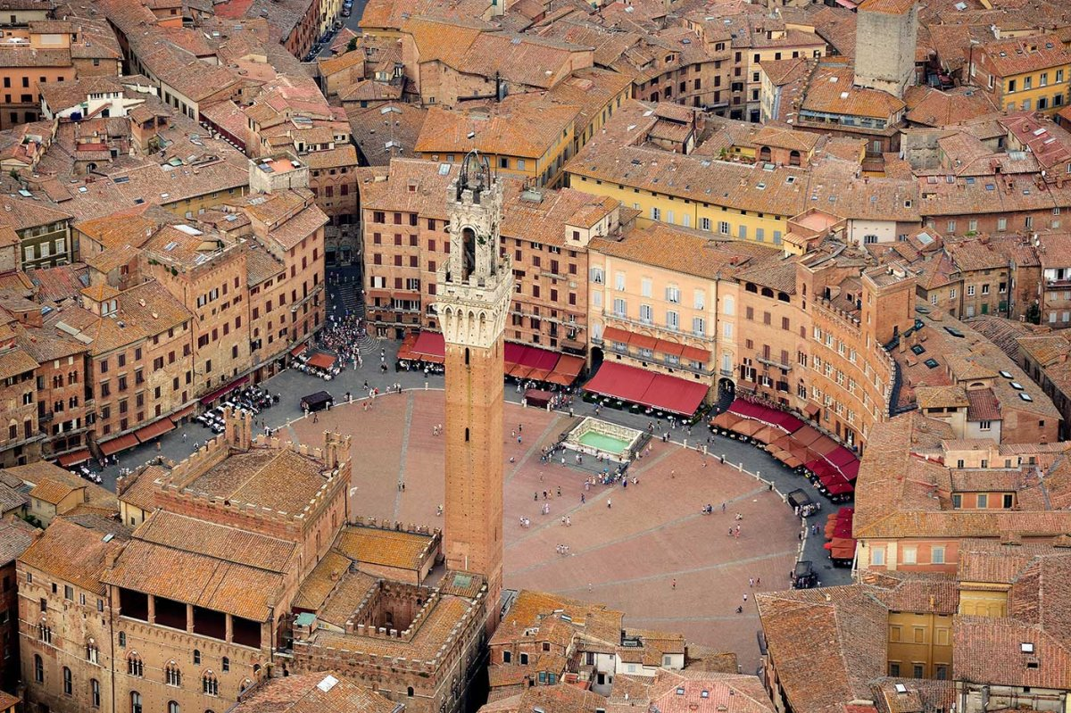 Σιένα ωραιότερη μεσαιωνική πόλη πλατεία από ψηλά