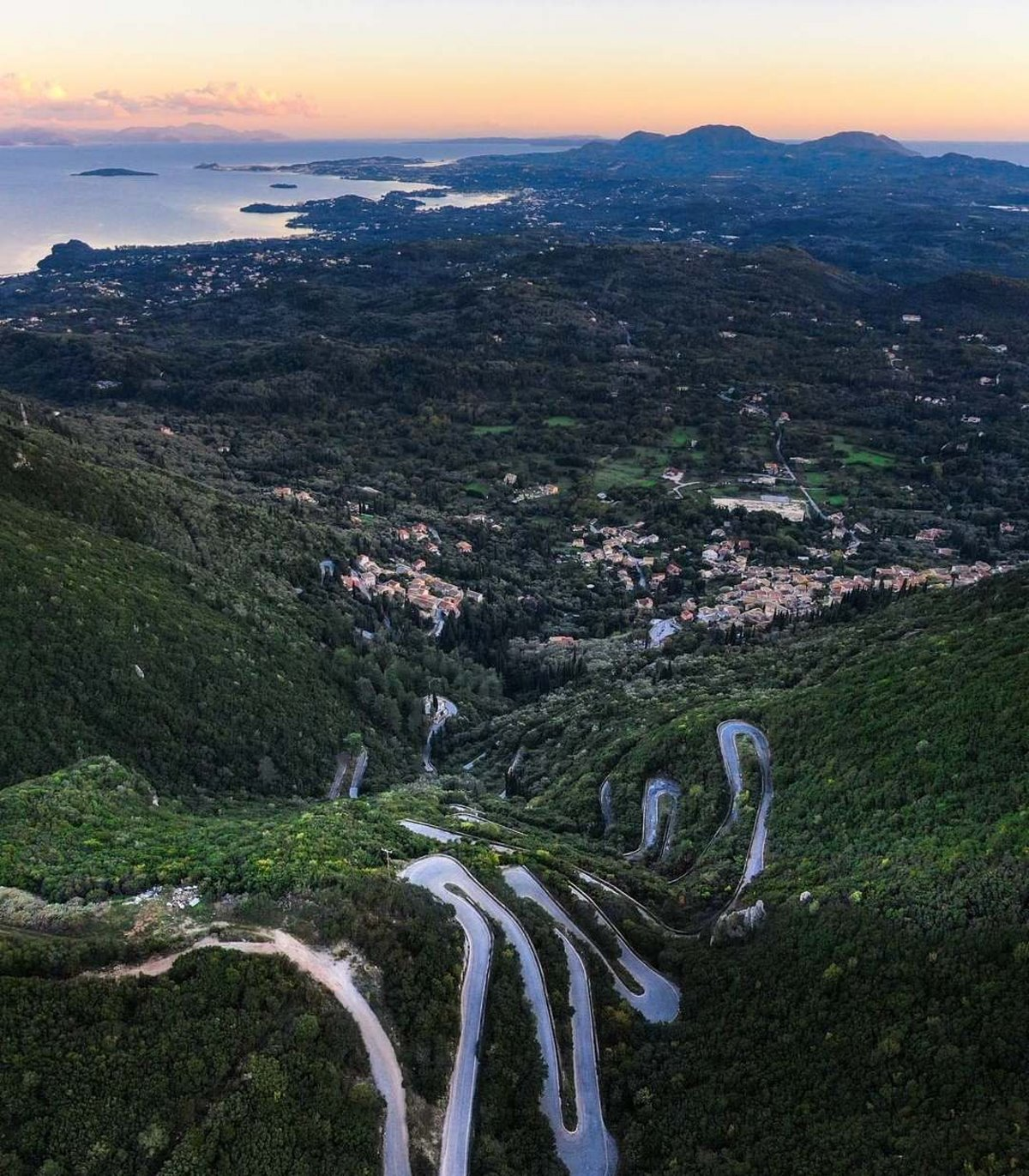 Κέρκυρα όμορφα ορεινά χωριά όπως το Σωκράκι από ψηλά