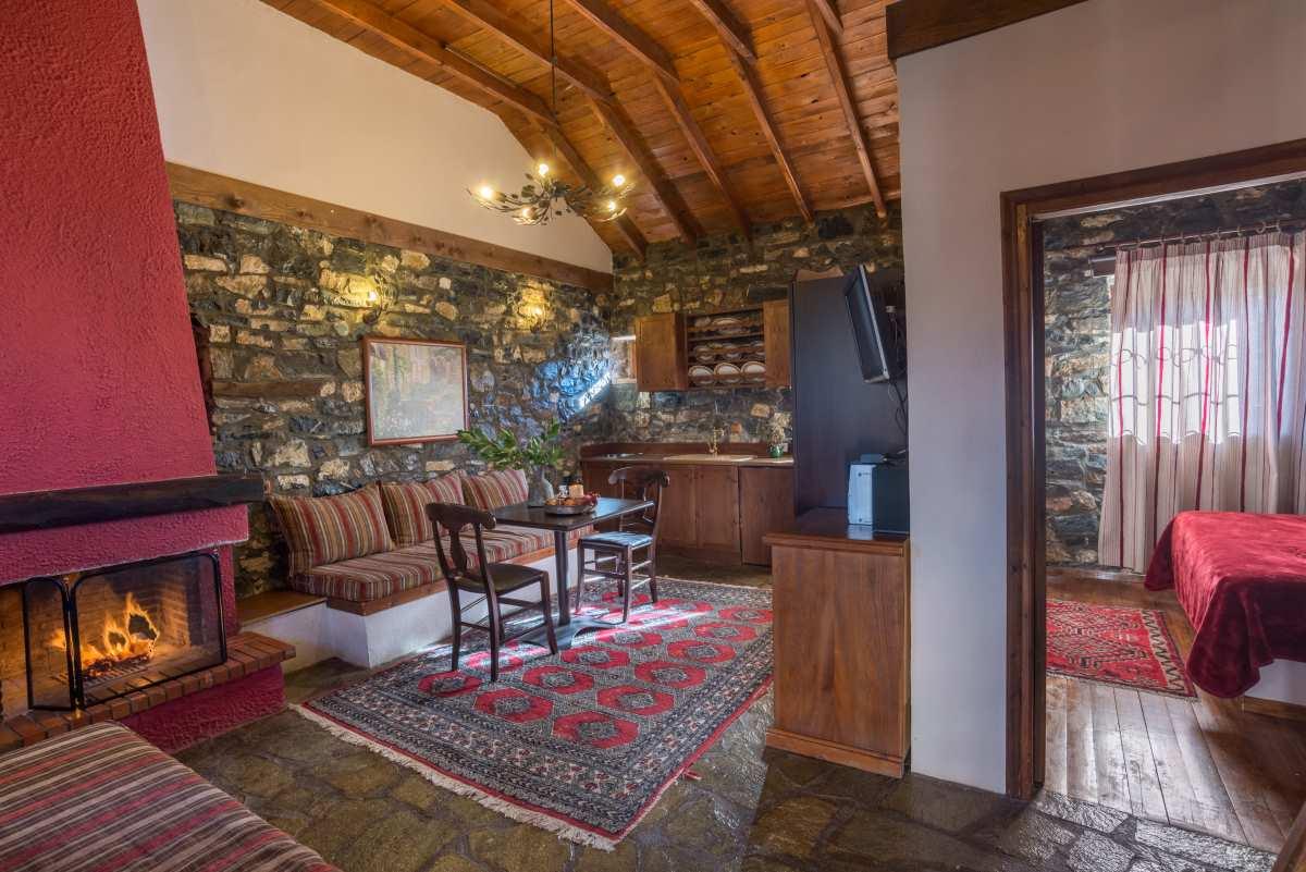 Ξενώνας Ρούγα, σαλόνι σουίτας