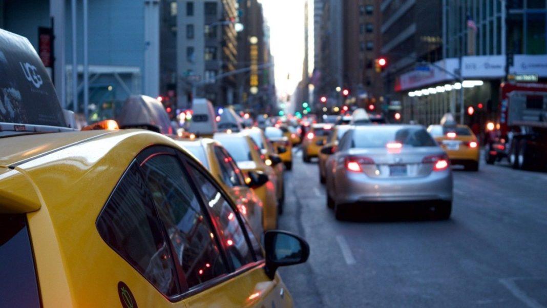 Κίνηση στους δρόμους εν όψει lockdown