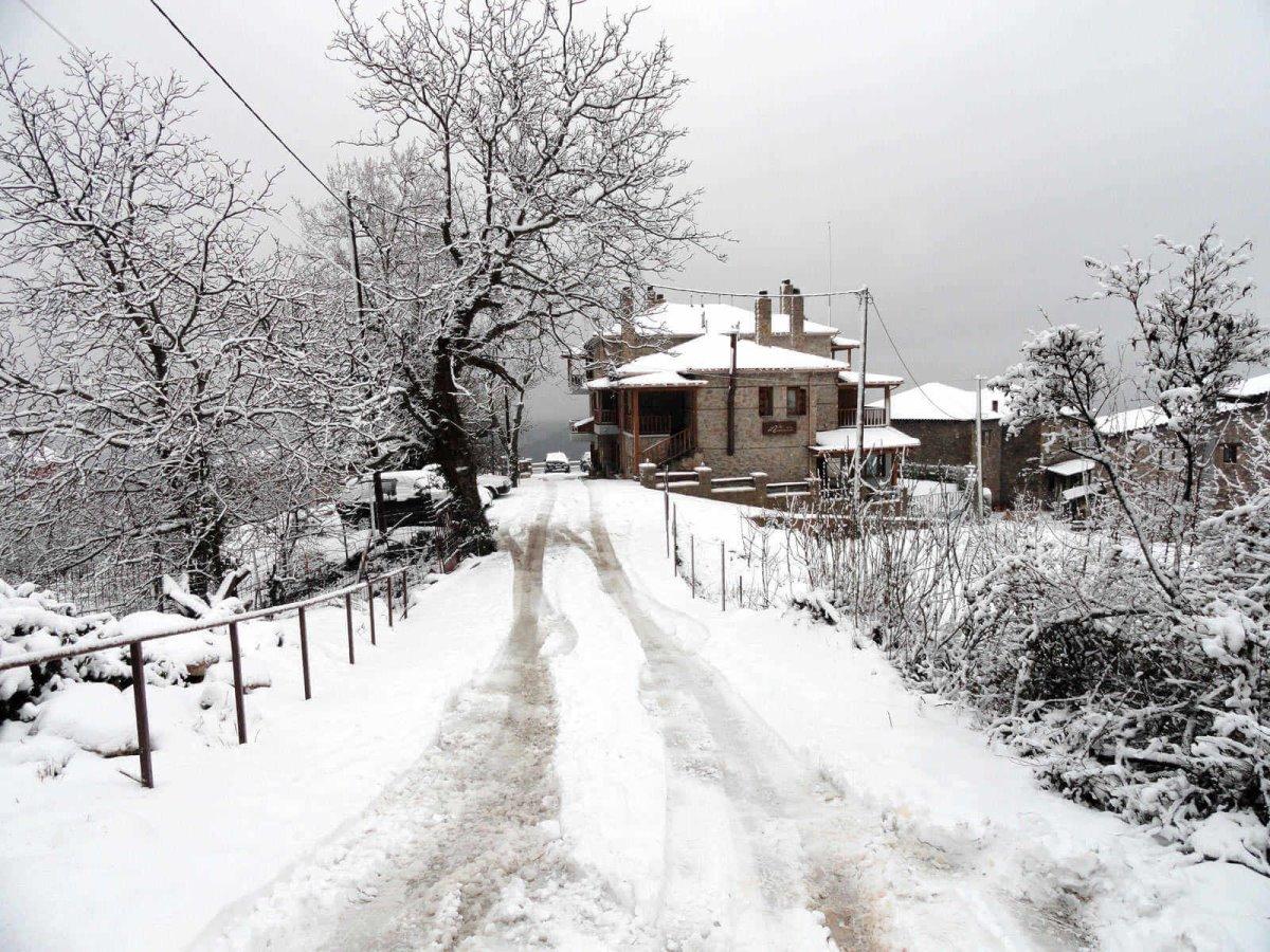 Χιόνια στα χωριά των Τρικάλων