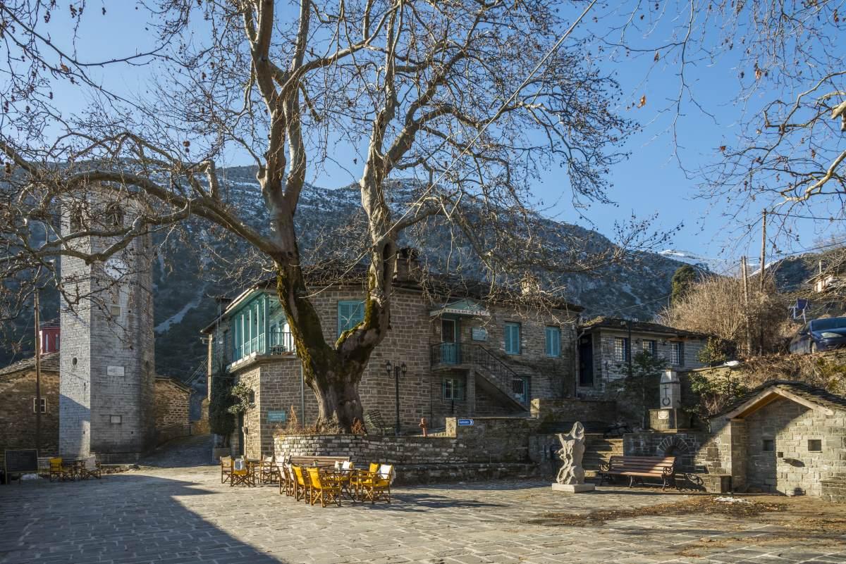 Τσεπέλοβο, στο κέντρο του χωριού