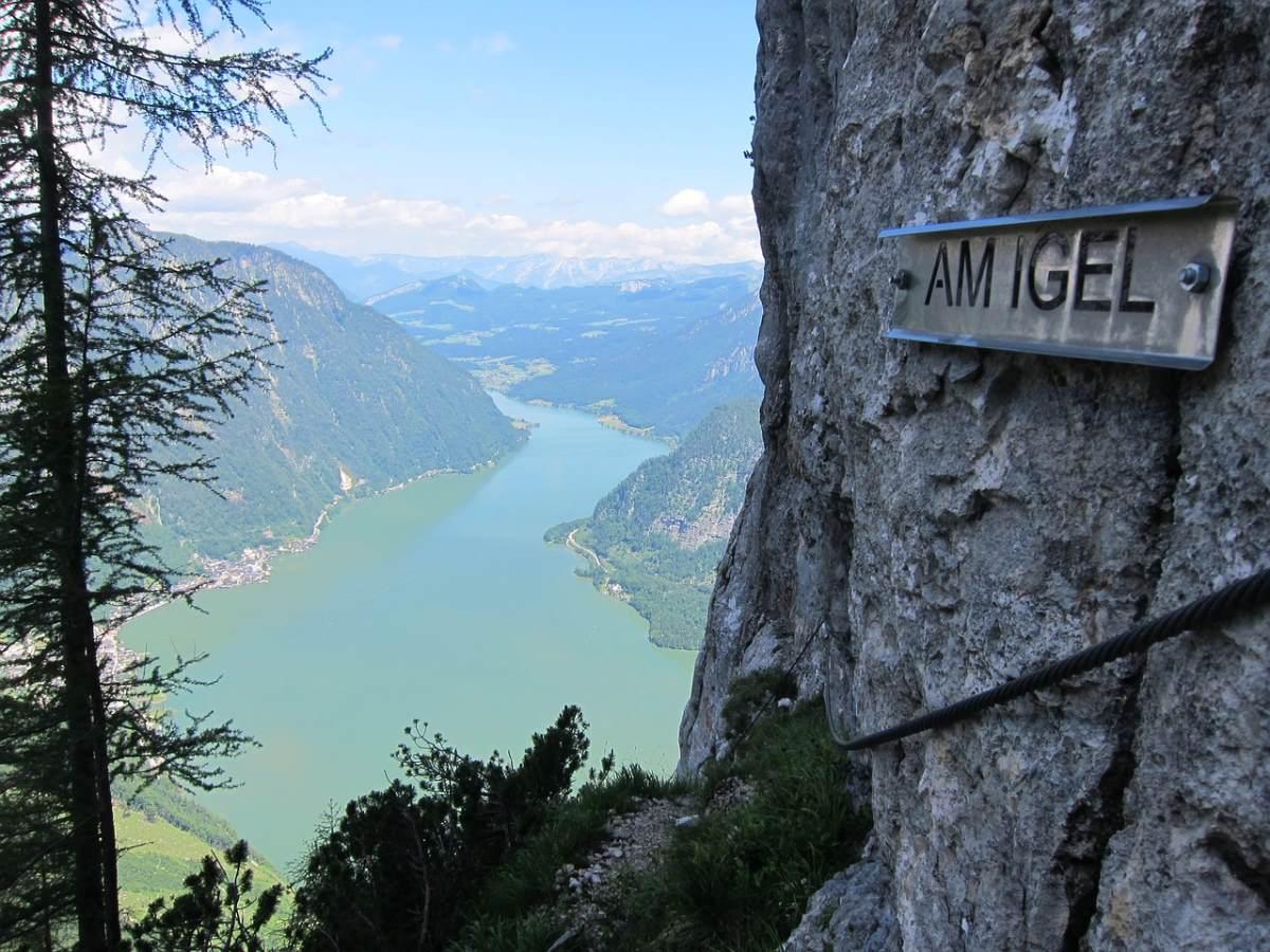 Χάλστατ, Αυστρία, εντυπωσιακή θέα στη λίμνη