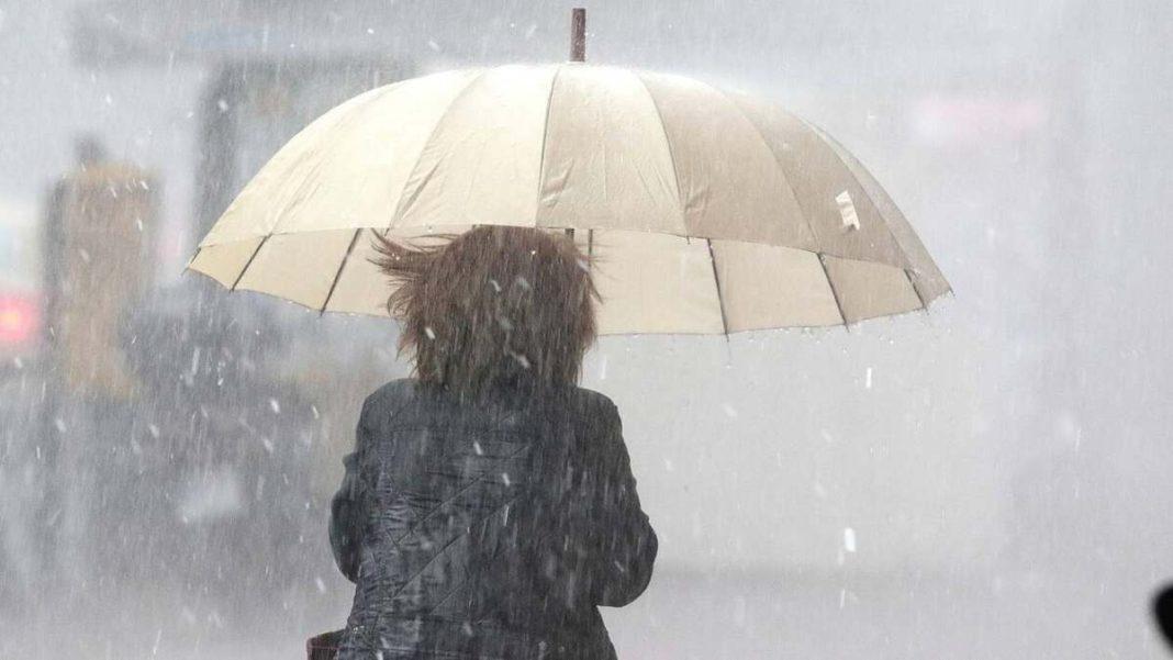 καιρός 8-12 βροχές