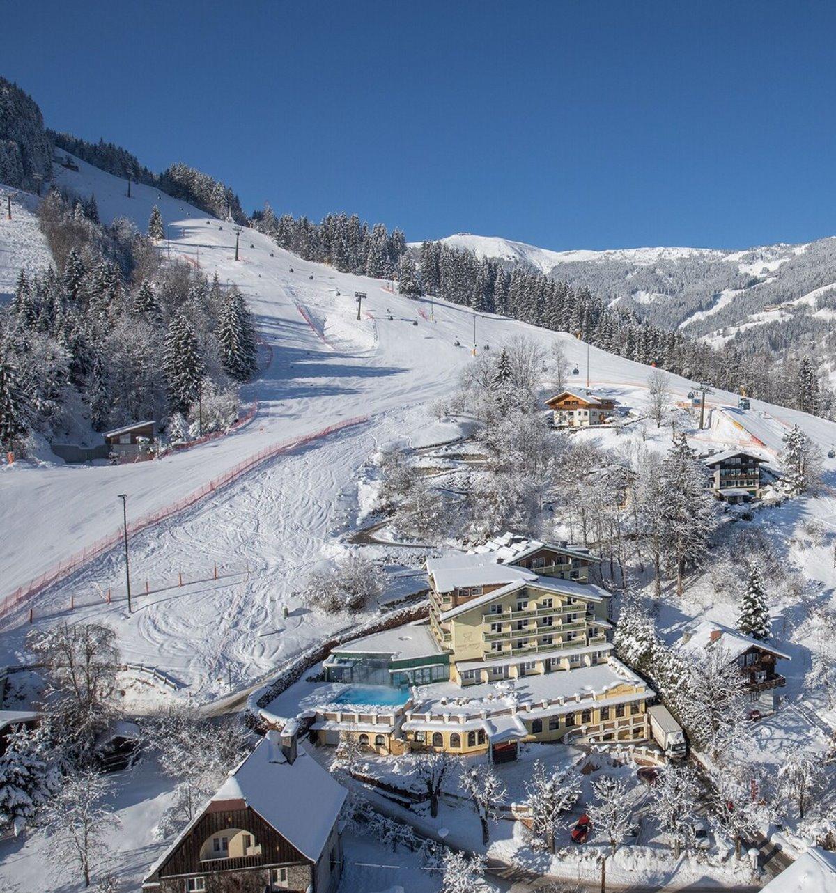 το μαγευτικό χιονισμένο τοπίο του Berner Hotel