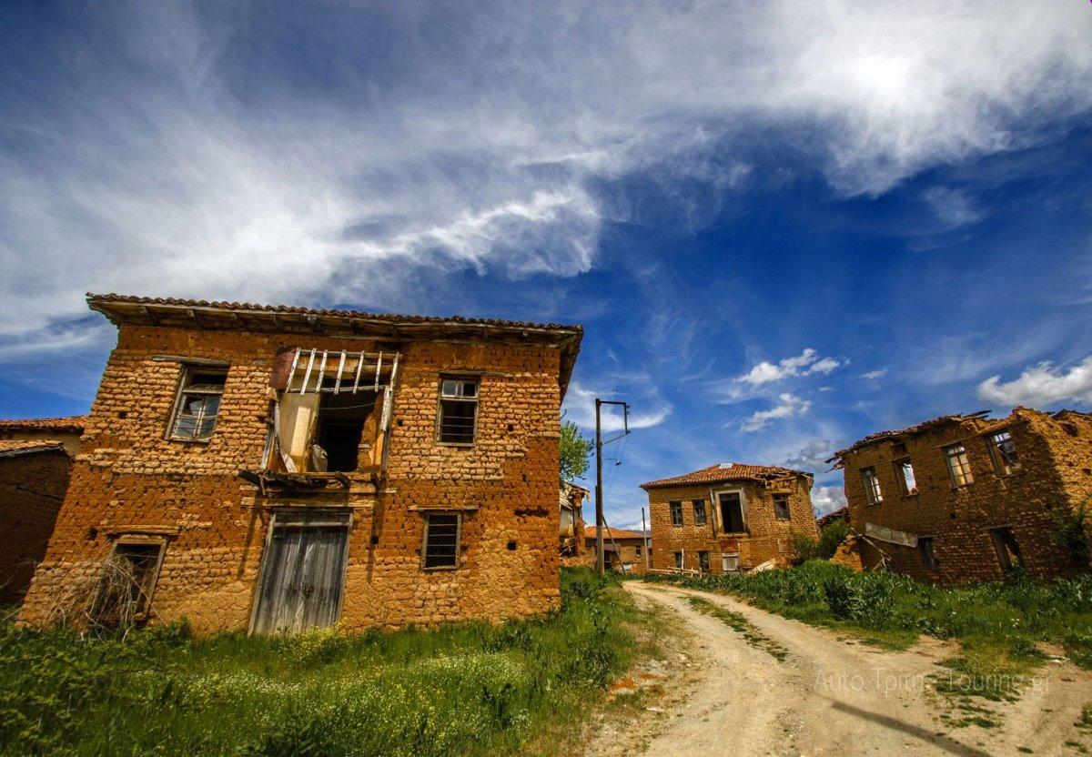 ελληνικά χωριά-φαντάσματα και οι ιστορίες τους όπως στον Γάβρο στην Καστοριά