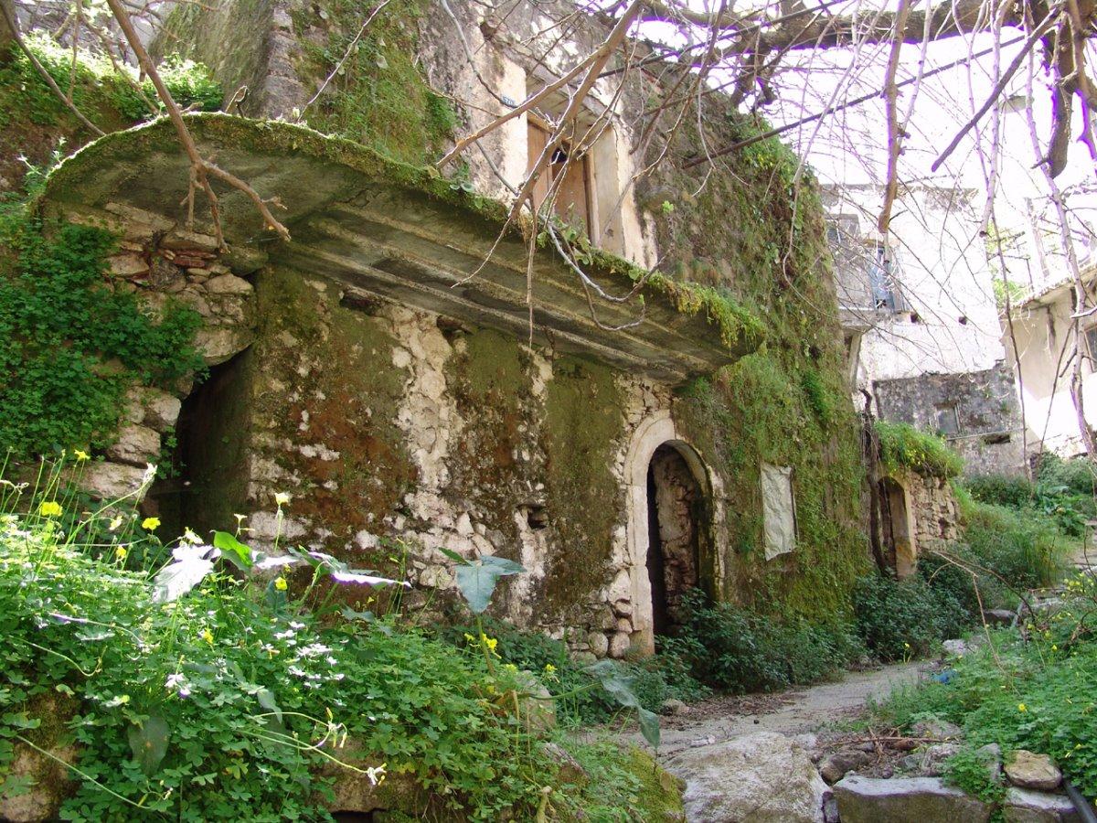 ελληνικά χωριά-φαντάσματα και οι ιστορίες τους όπως το Καλάμι στην Κρήτη
