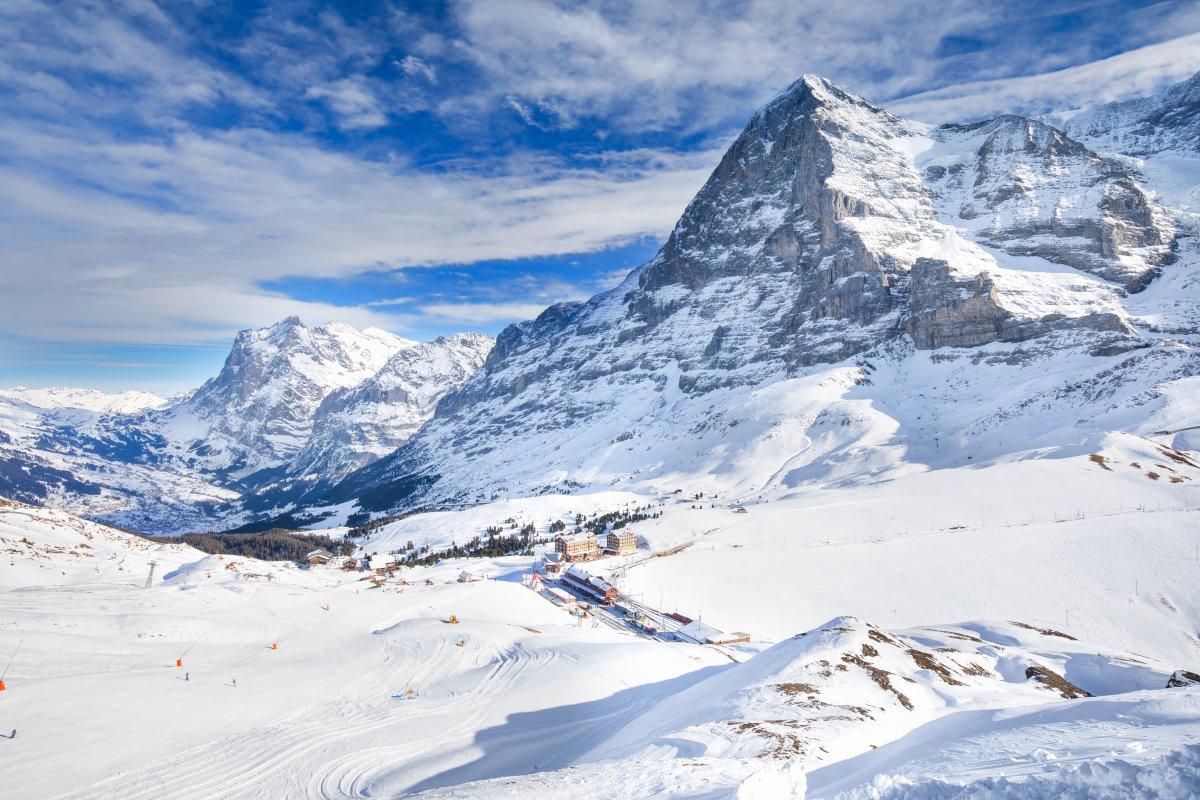 Το Γκρίντελβαλντ, στα βουνά των Άλπεων στην Ελβετία  ,