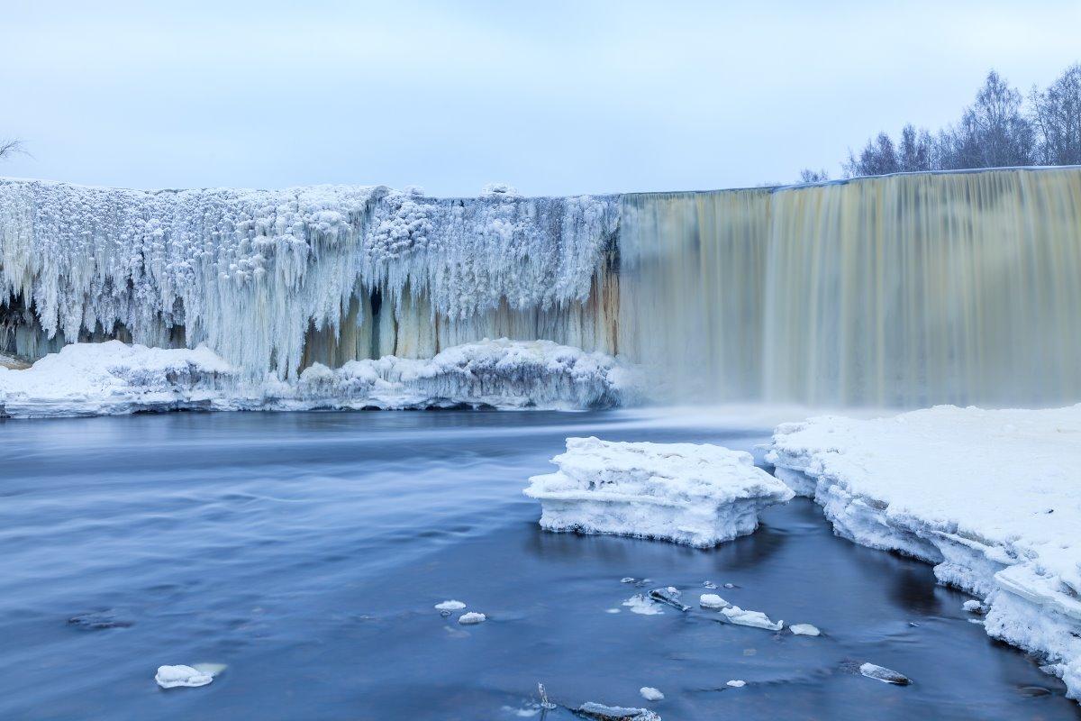 Ο  Καταρράκτης Jagala παγωμένος, Εσθονία