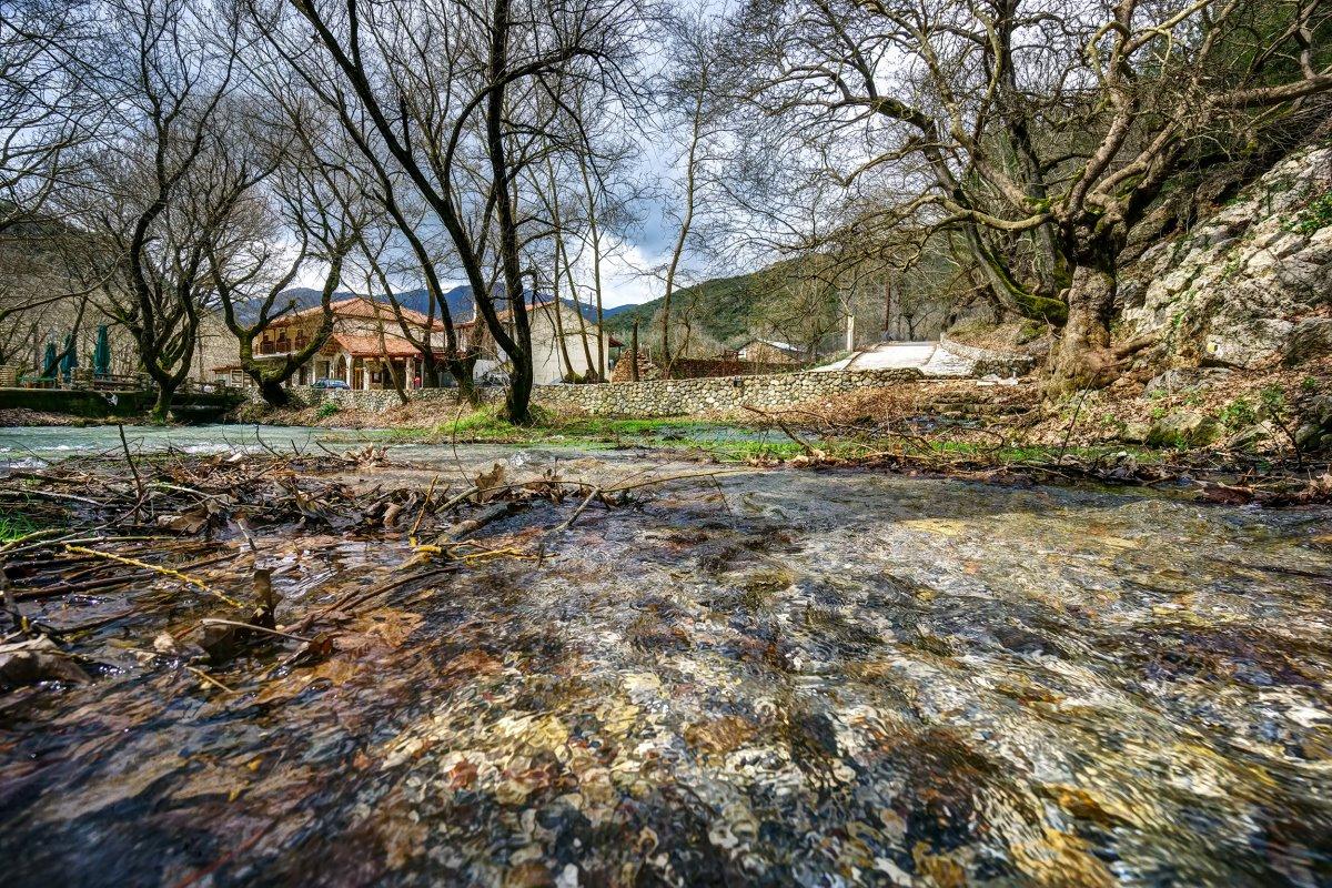 Η πηγή του ποταμού Αροάνιου,Πλανητέρο