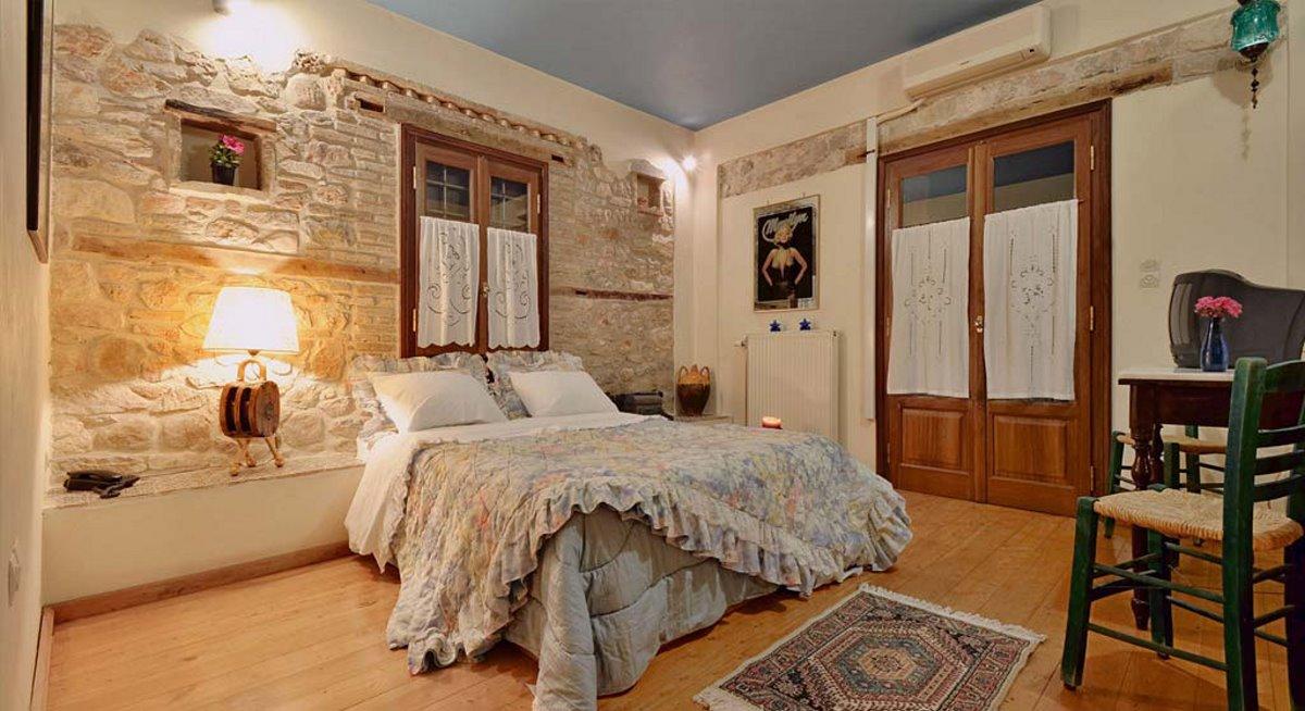 Archontiko Art Hotel Γαλαξίδι με ρομαντικό διάκοσμο