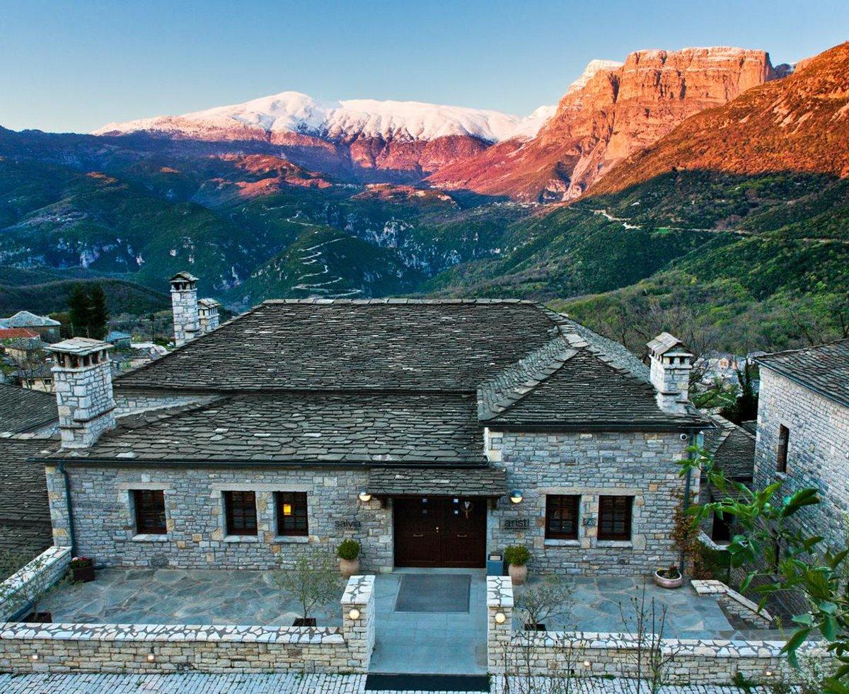 Aristi Mountain Resort με θέα στα βουνά