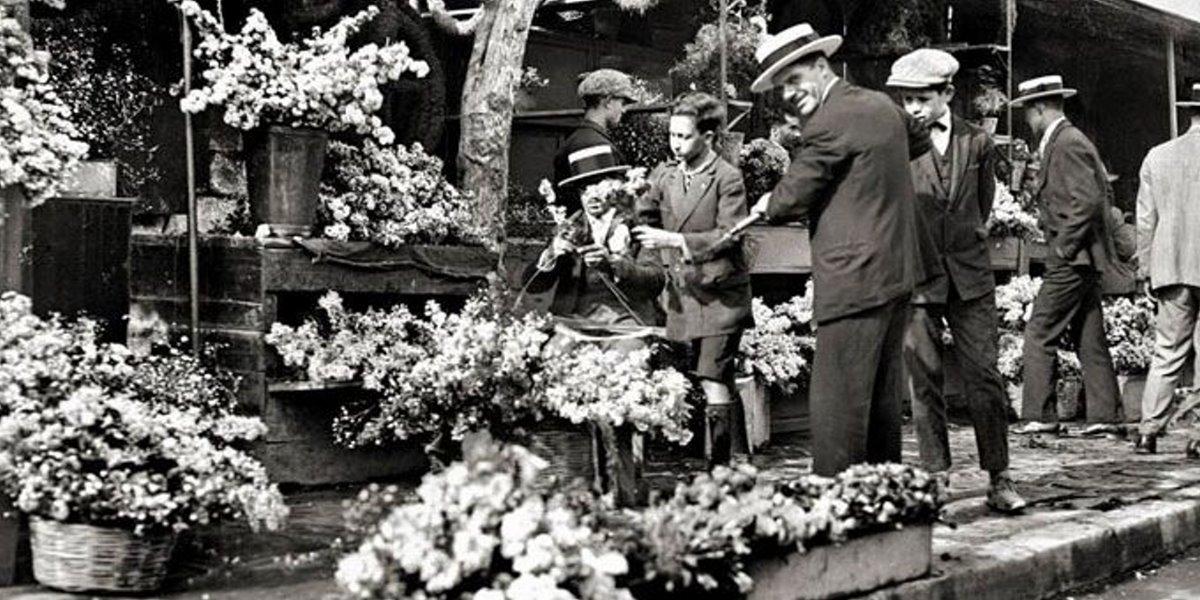 παραδοσιακοί λουλουδάδες στο Σύνταγμα