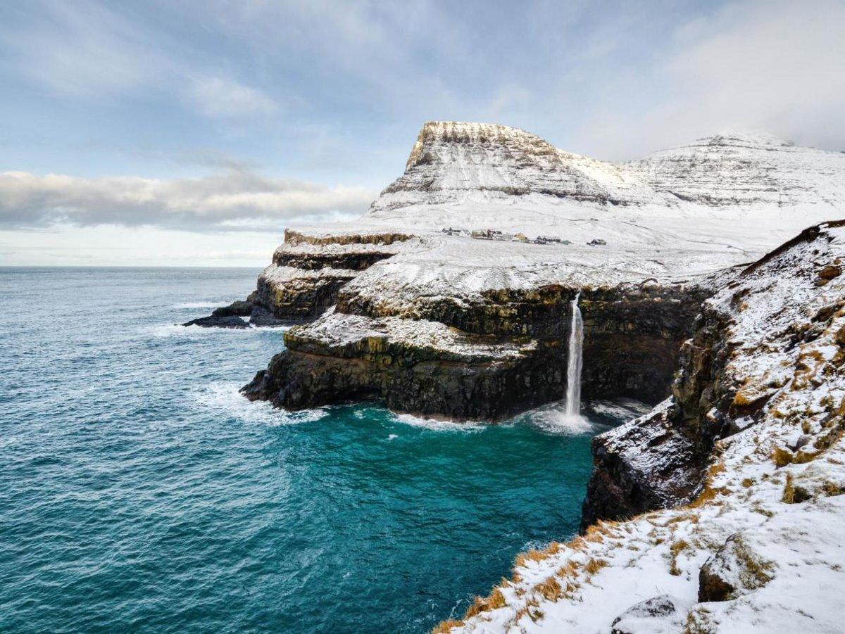 Χιονισμένα νησιά στον κόσμο Bour