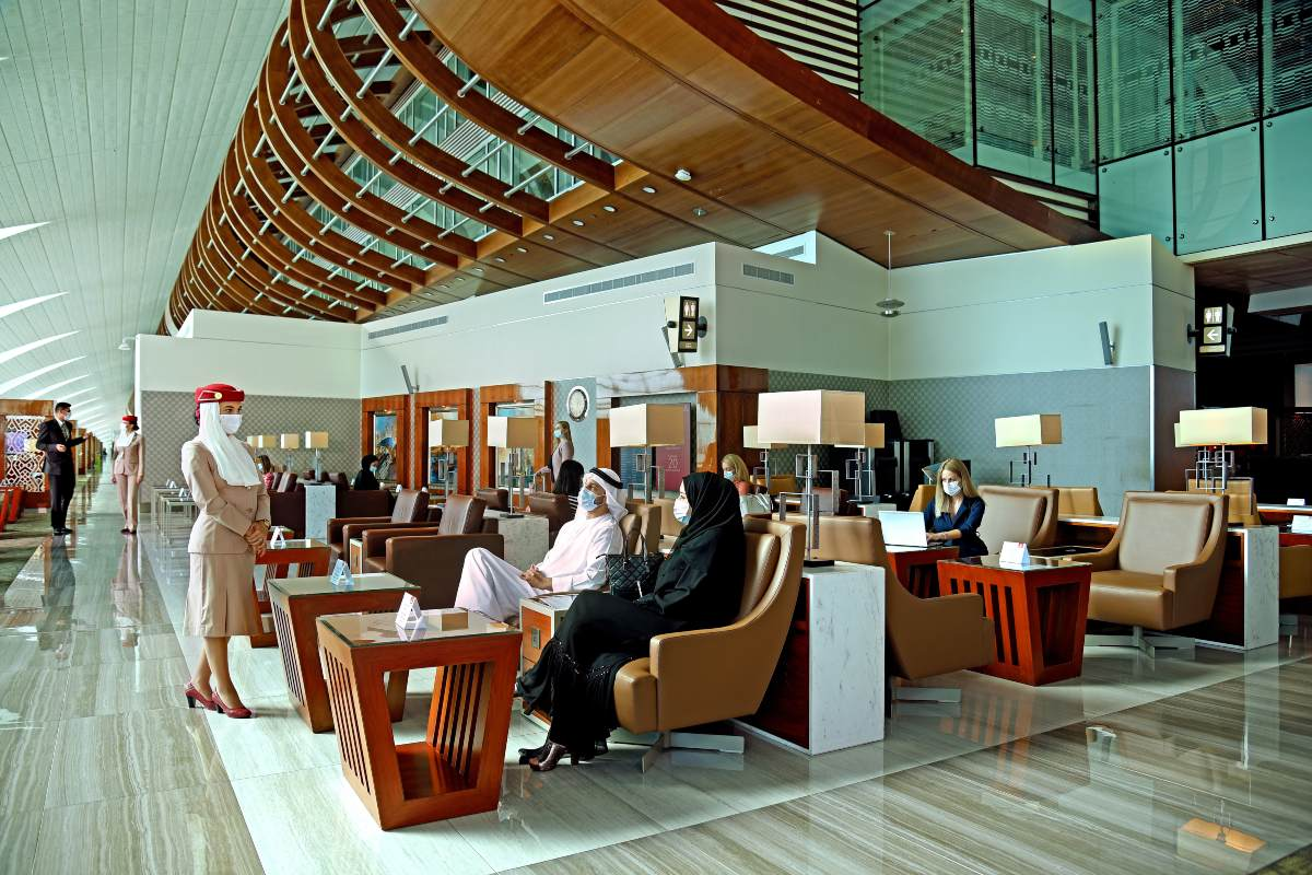 Emirates bussiness class lounge