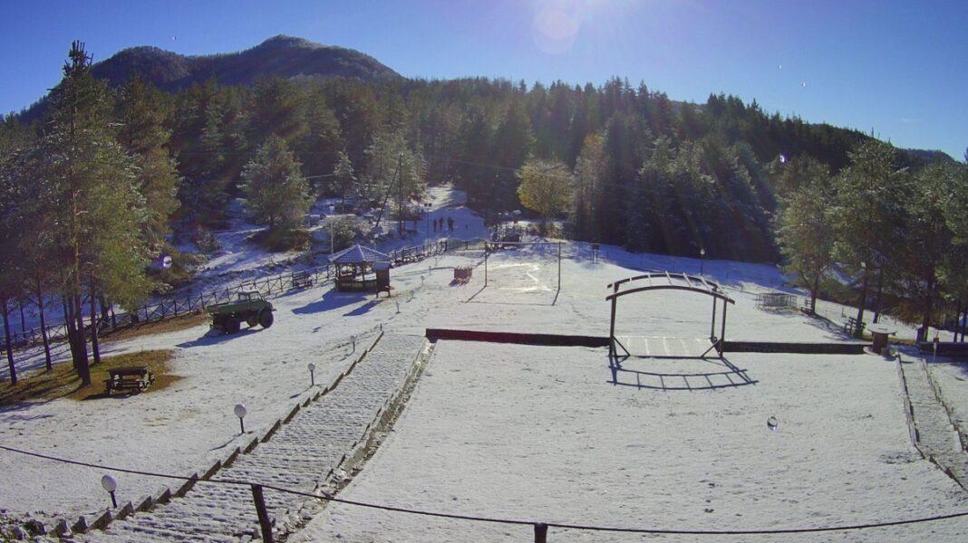 Δασικό χωριό Ξάνθης χιονισμένο