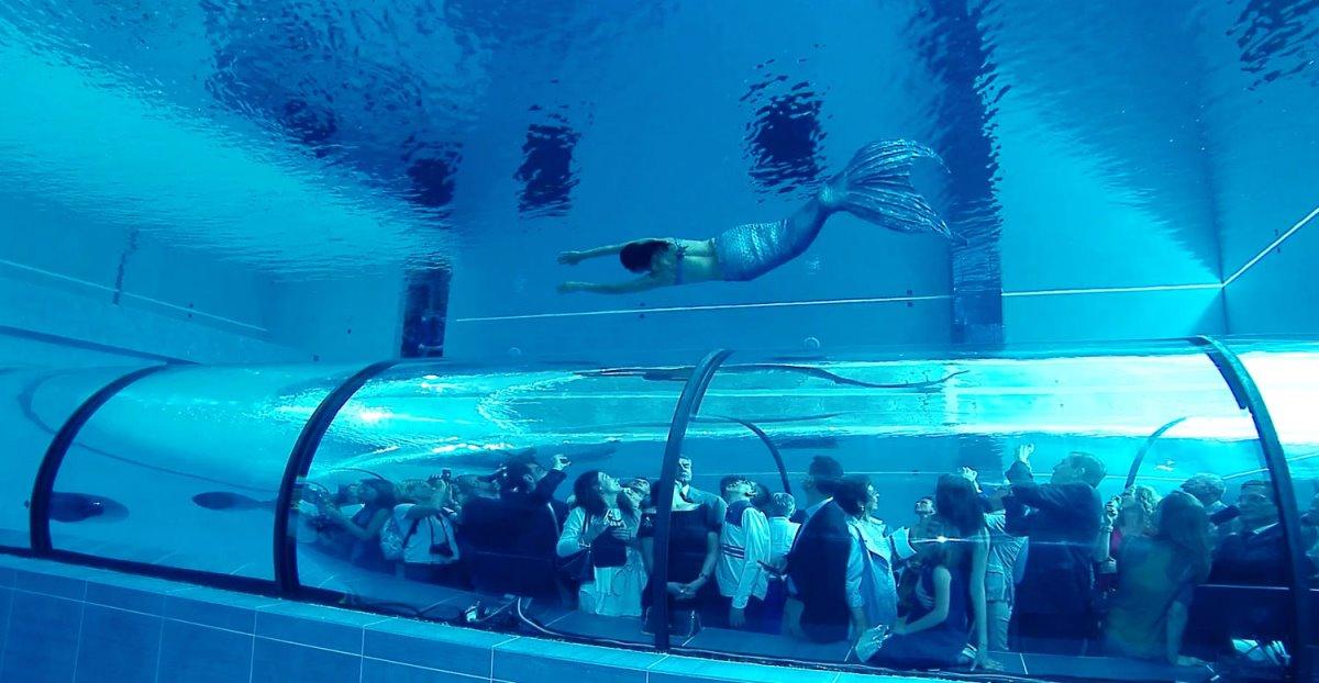 Deepspot βαθύτερη πισίνα Πολωνία εγκαίνια με καταδύσεις στα 45,5 μέτρα