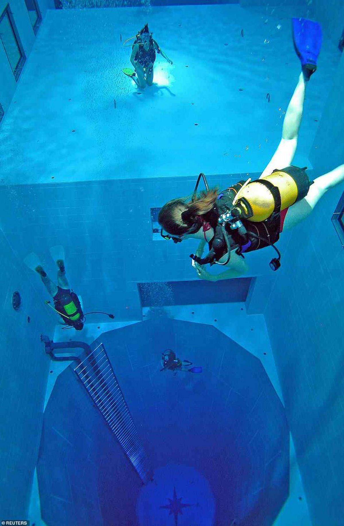 καταδύσεις στην Deepspot βαθύτερη πισίνα Πολωνία