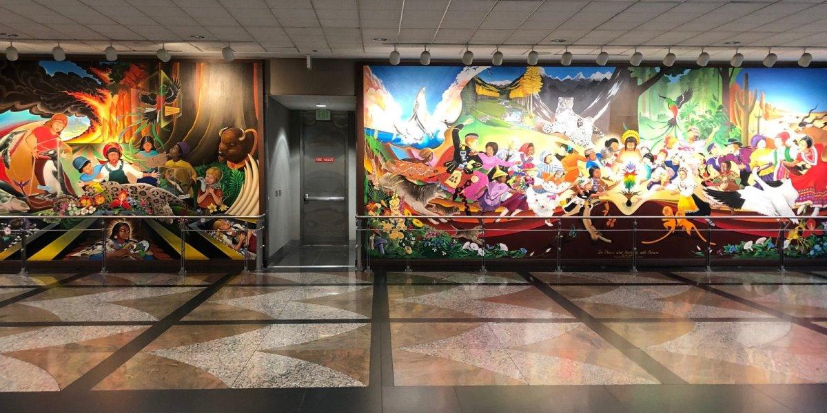 Παράξενες τοιχογραφίες στο Αεροδρόμιο Ντένβερ