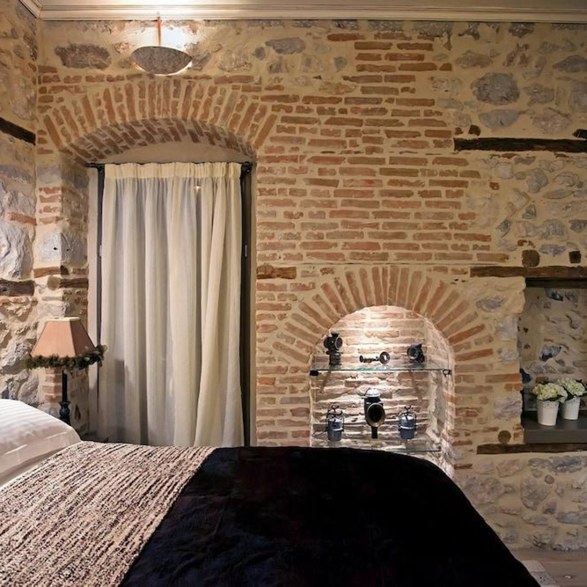 Doltso Hotel Καστοριά δωμάτιο με πέτρα