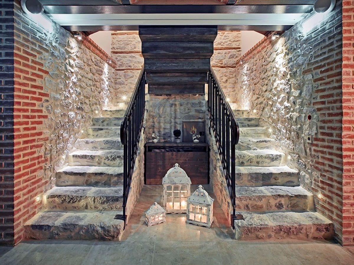 Doltso Hotel Καστοριάείσοδος από πέτρα