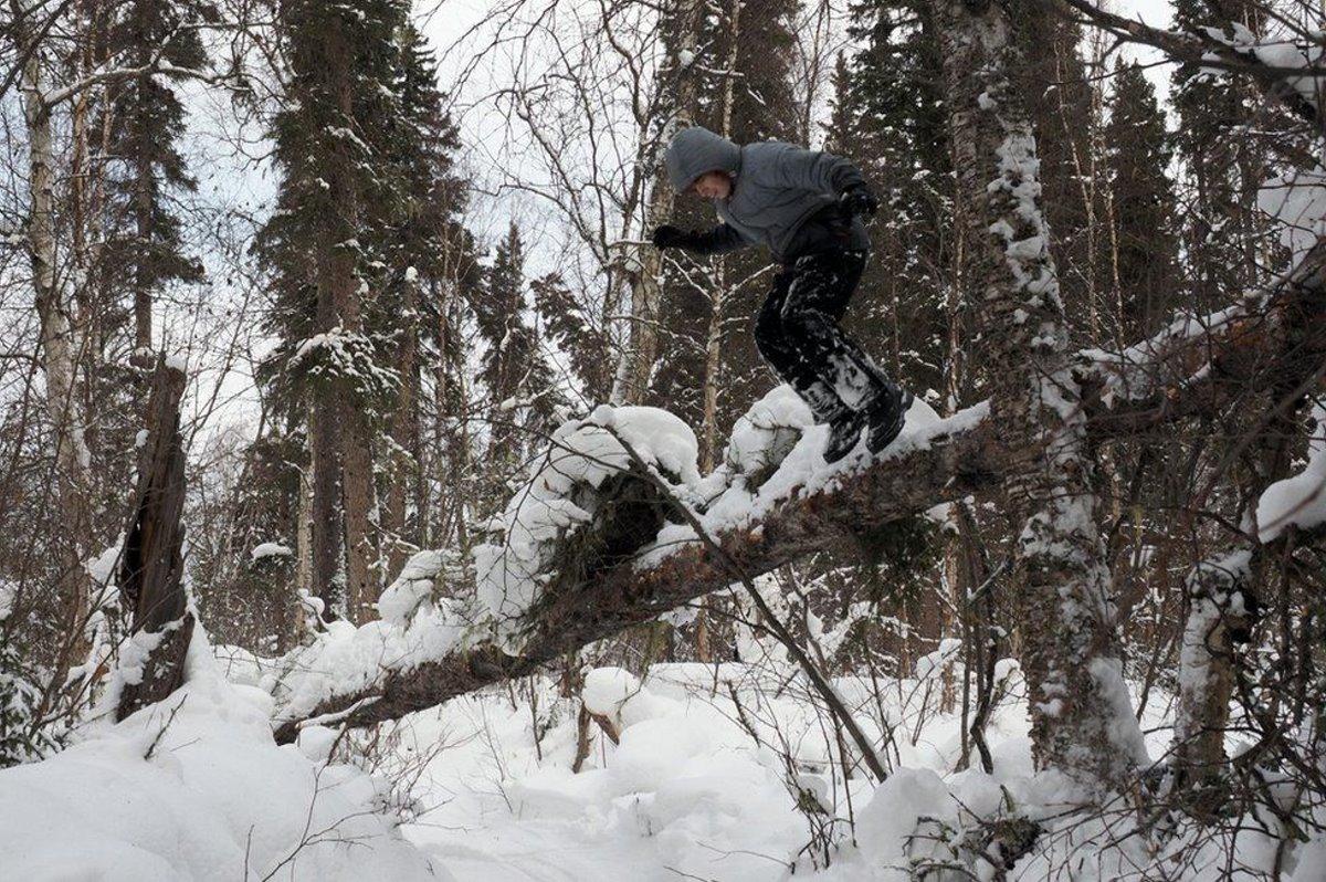 Οικογένεια στην Αλάσκα 18 χρόνια ο γιος τους σε χιονισμένο τοπίο
