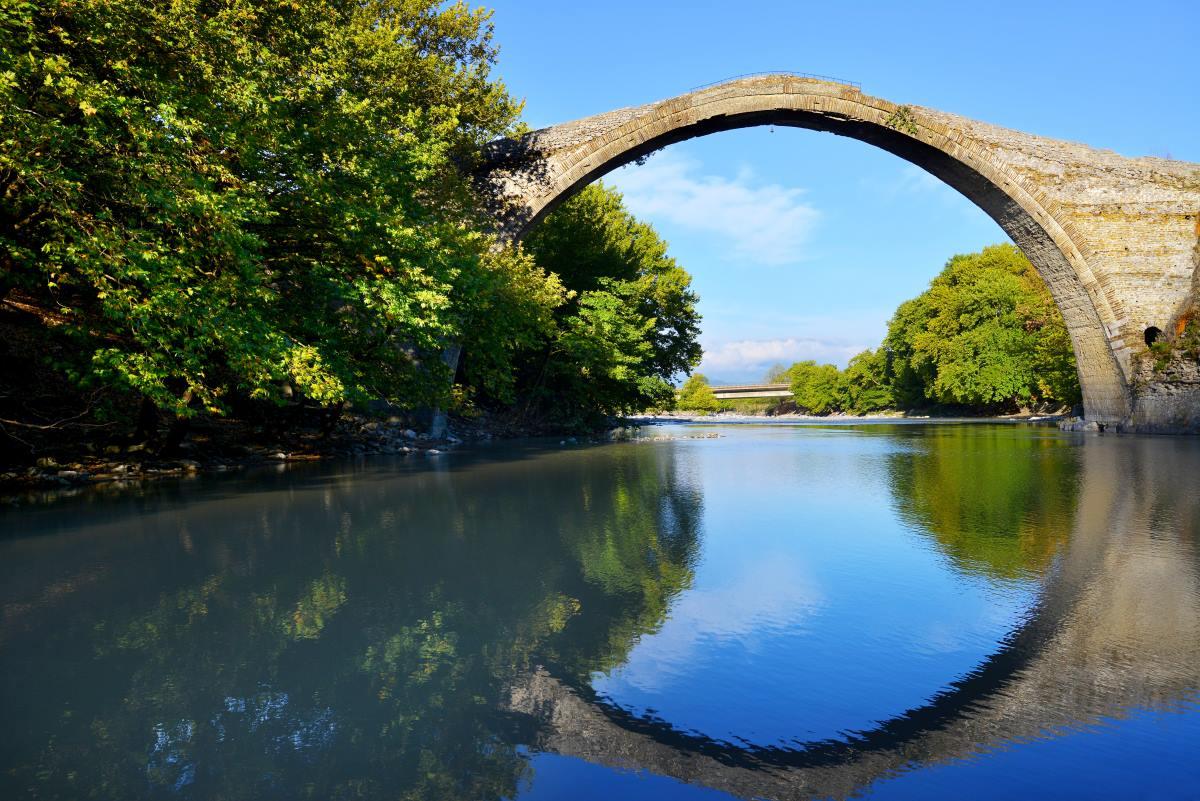 Το πέτρινο γεφύρι της Κόνιτσας