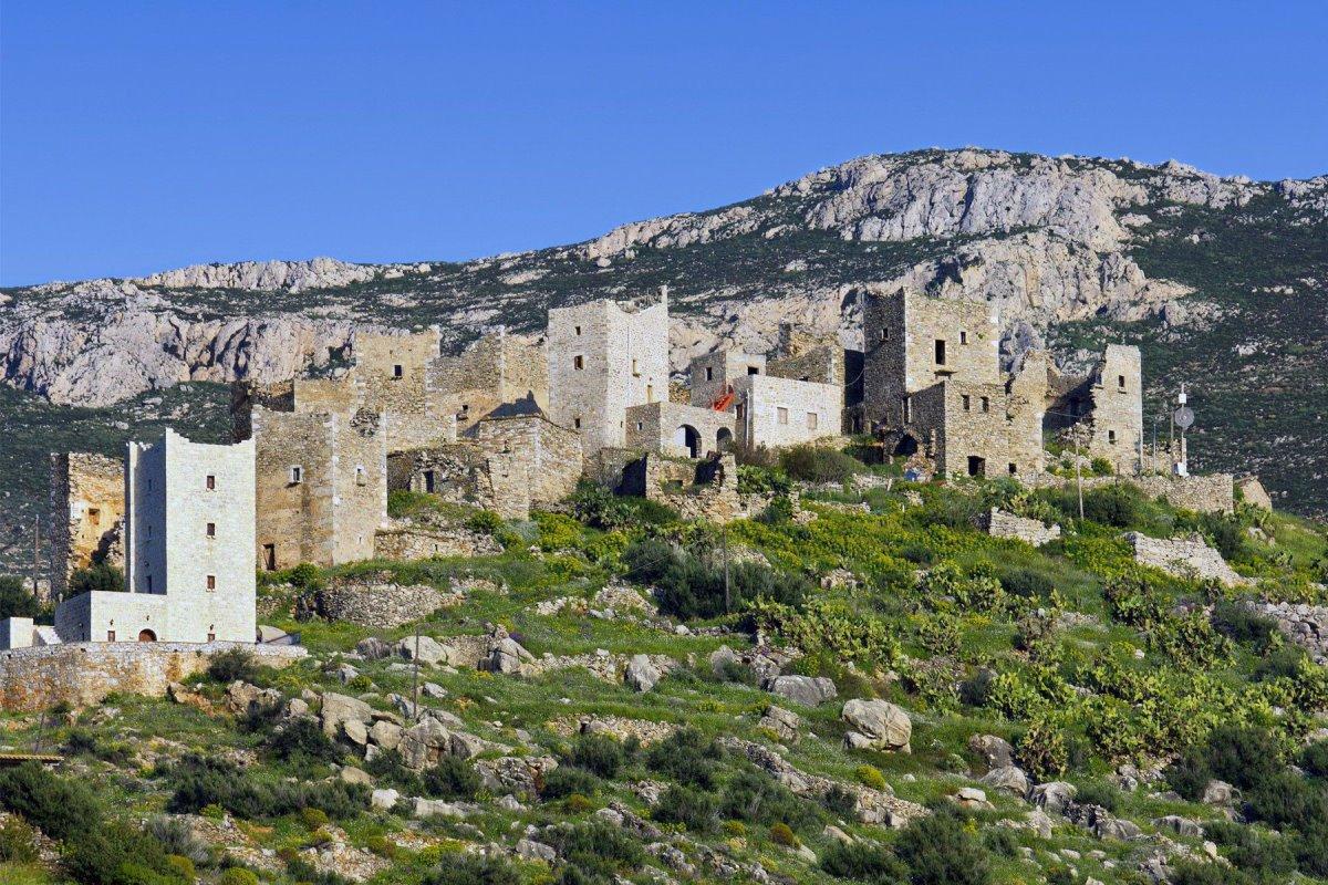 Παλιά Καρδαμύλη με ερείπια