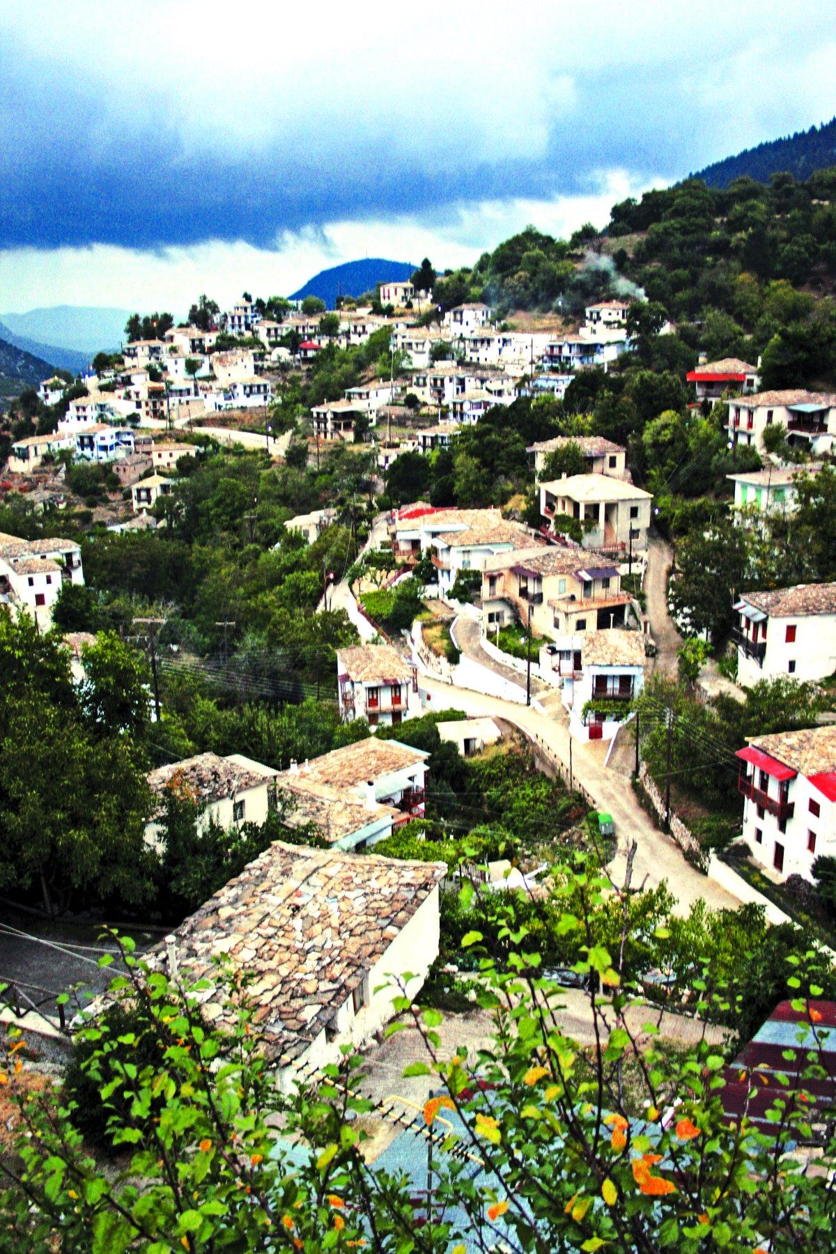 Η θέα στο χωριό, Καστάνιτσα