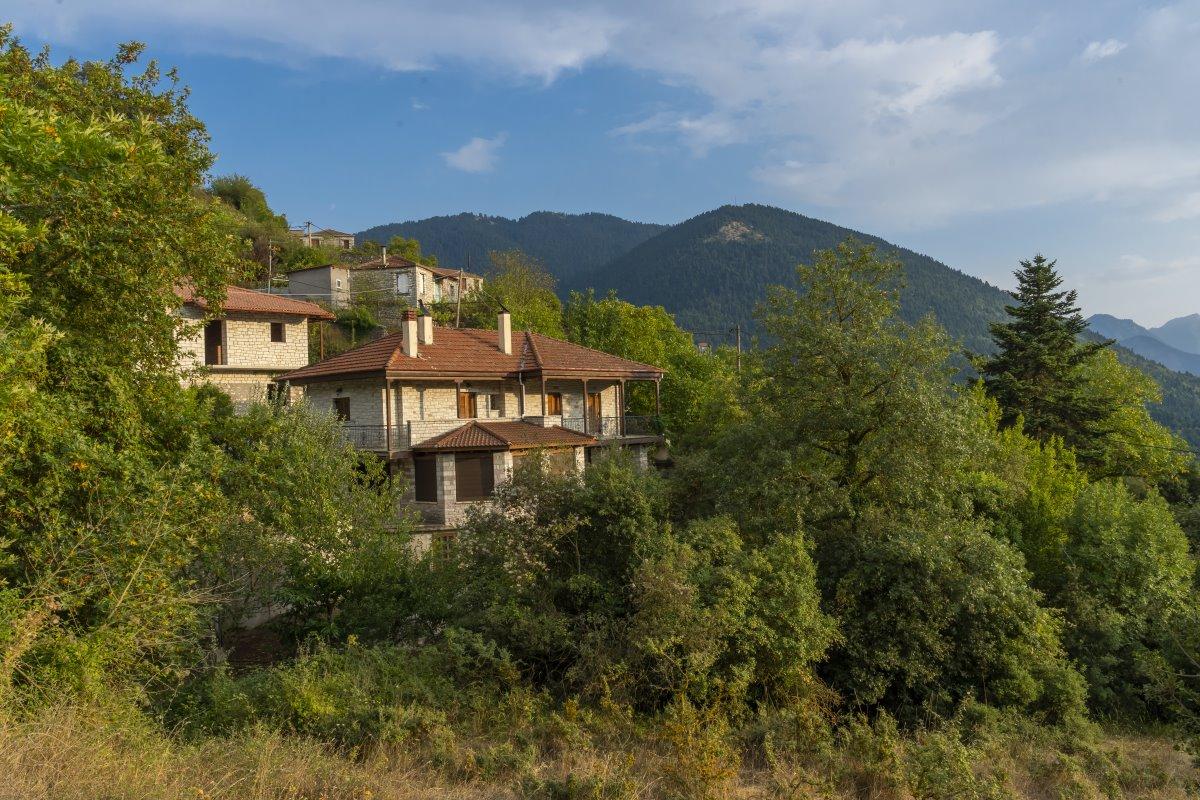 Πέτρινα σπίτια στο Κλαυσί, Ευρυτανία