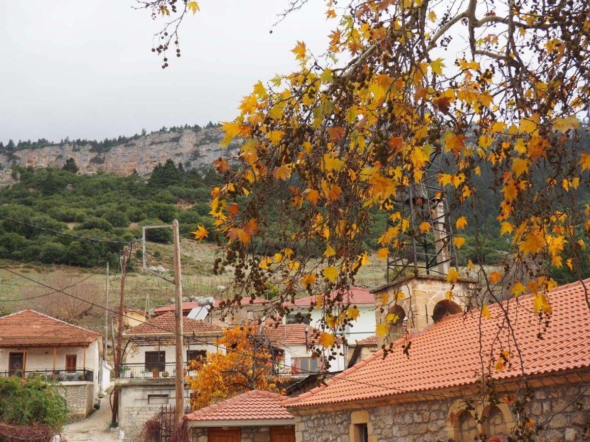 hot χωριουδάκι κοντά στην Αθήνα Κεφαλάρι