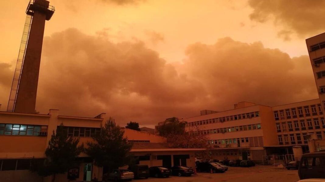 Κόκκινος ουρανός Αθήνα σκόνη