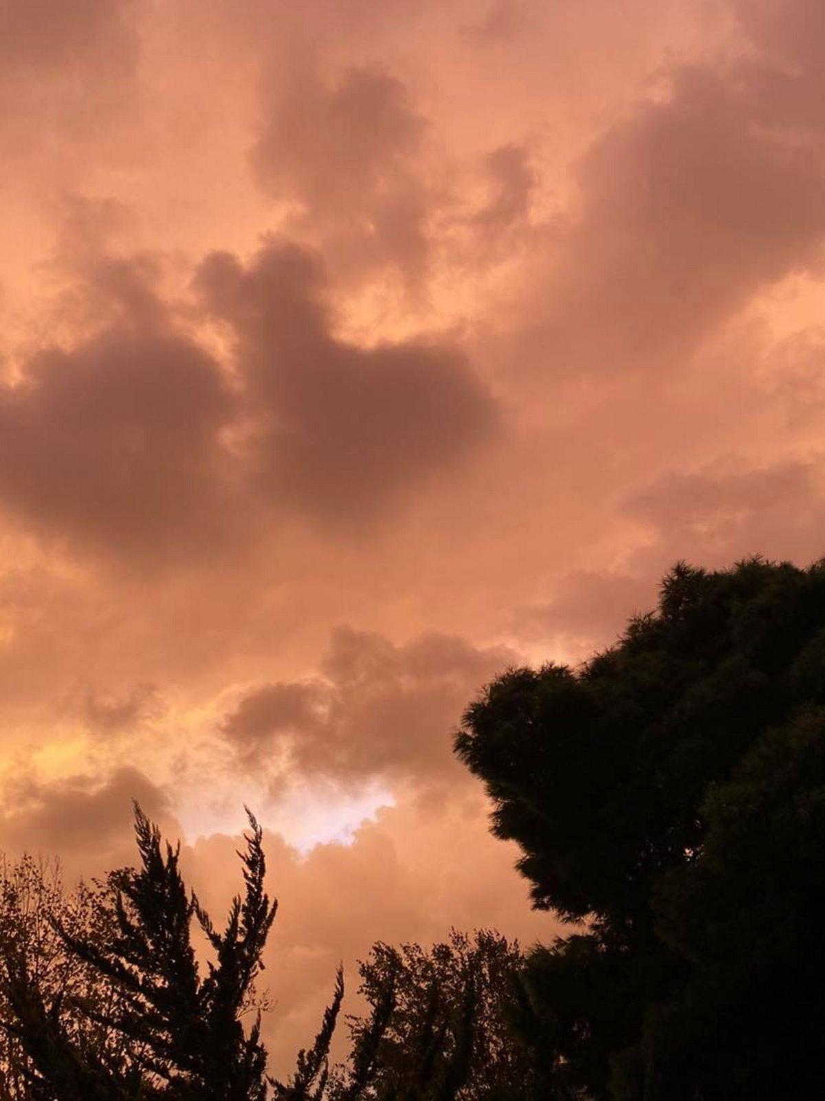 "Viral έγινε ο ""κόκκινος"" ουρανός της Αθήνας - Σεληνιακό τοπίο!"