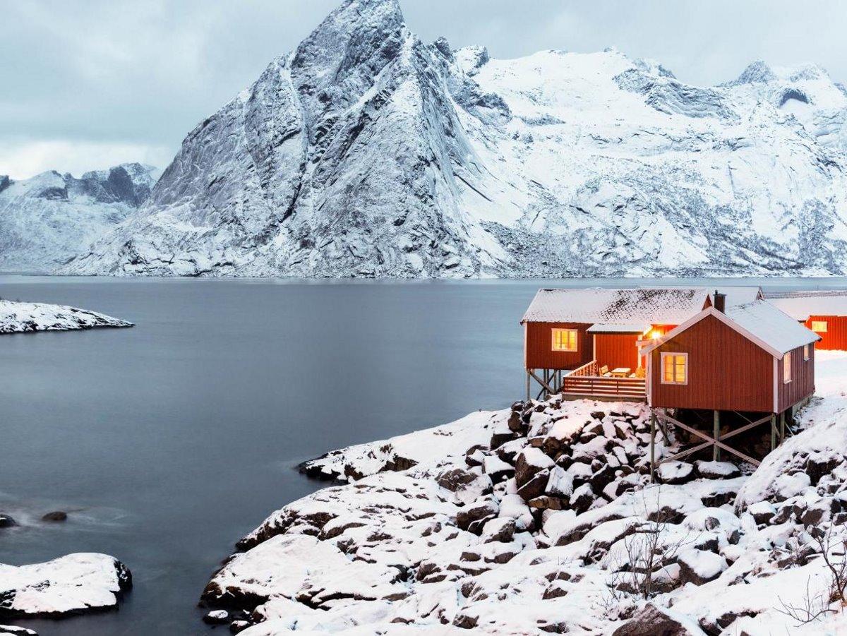 Χιονισμένα νησιά στον κόσμο Lofoten